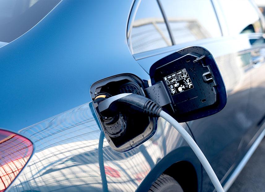 Bestch Fahrzeugtechnik Herxheim Leistungen Elektromobiltät